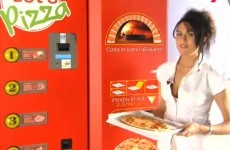 Vending machine in Dublin creates pizza from scratch.... in 2.5 minutes