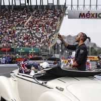 Hamilton wins Mexican Grand Prix but must wait for sixth title