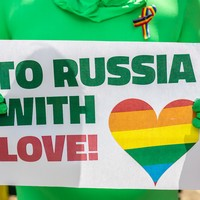 Russia investigates videos of children talking with members of the LGBT community
