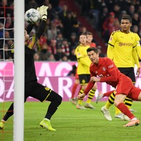 Lewandowski strikes twice in clinical Klassiker