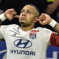 Man United have 'priority' on Lyon star