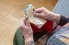 Christmas bonus will be paid out to 1.2 million social welfare recipients at start of December