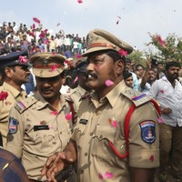 Indian police shoot dead four men suspected of rape