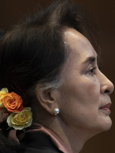 Myanmar's Suu Kyi told to 'stop the genocide' of Rohingya Muslims in top UN court