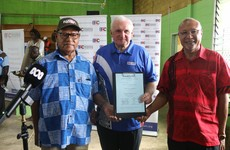 Bertie Ahern announces landslide victory for independence in Bougainville referendum