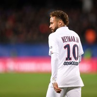 Neymar hits Barcelona with fresh lawsuit
