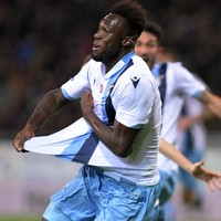 Incredible drama at the death as two goals in added time lift Lazio into Serie A title race