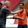 Wenger defends Ozil's freedom of speech amid China storm