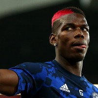 'Best midfielder in the world' Pogba wants to stay at Man United