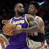 LeBron James scores 21 as Lakers snap losing streak