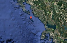 12 dead after migrant boat sinks off Greek coast