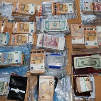 Gardaí seize €135,000 in cash at house in south Dublin after four men arrested