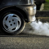 Poll: Do you think cars should be banned from 'idling' outside schools?