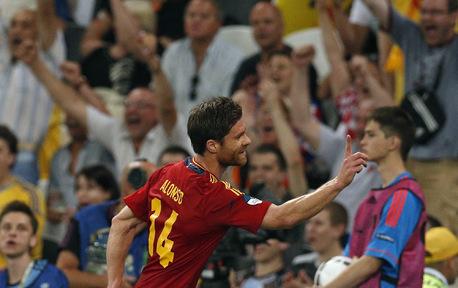 Alonso celebrates his goal.
