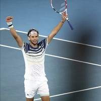 Dominic Thiem outlasts Alexander Zverev to reach Australian Open final