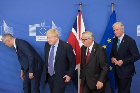 Stephen Barclay, Boris Johnson, Jean-Claude Juncker, President of the European Commission, and Michel Barnier. (October 2019)