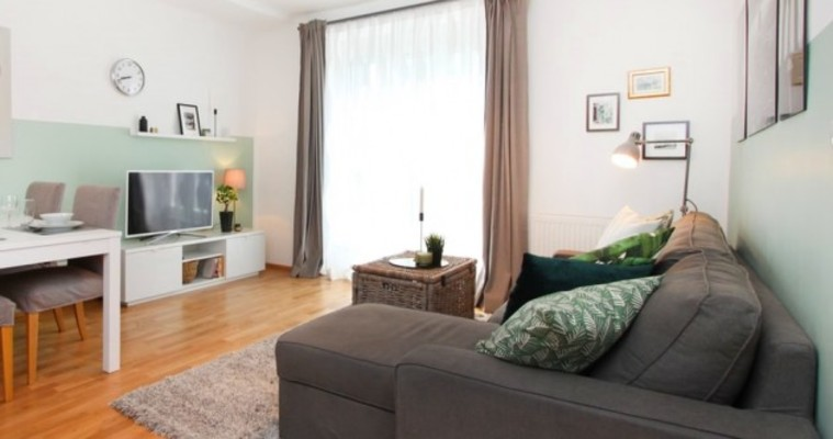 All Your Furniture Facing The Tv 6 Common Living Room Layout Mistakes And How To Fix Them
