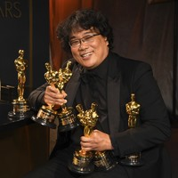 Parasite becomes first non-English language film to win best picture Oscar