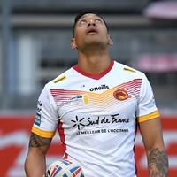 Super League investigating rainbow flag claim after controversial Folau makes debut