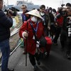 Passengers start to leave cruise ship in Japan as coronavirus quarantine ends