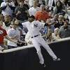 Dewayne Wise fakes catch, fools umpire while fan snatches ball
