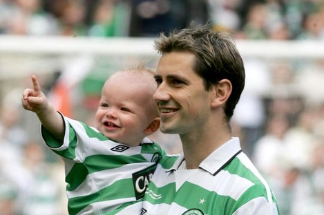 Jackie McNamara with his son Sidney and daughter Erin after his testimonial against Ireland in 2005.