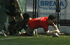 Sweetnam seals late bonus for Munster against 14-man Zebre