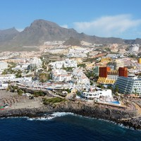 Hundreds of tourists at Tenerife hotel in isolation after Italian citizen tests positive for coronavirus