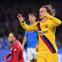Griezmann strike earns 10-man Barcelona a draw ahead of home second leg