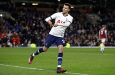 Alli penalty keeps Spurs in hunt for Champions League spot