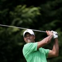 De Jonge leads at Congressional, Tiger set to pounce