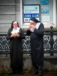 PHOTOS: How 1,400 nuns broke a world record in a Kerry town