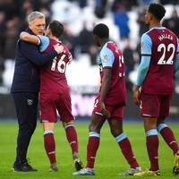 West Ham players agree to defer wages while Moyes takes pay cut to help non-playing staff