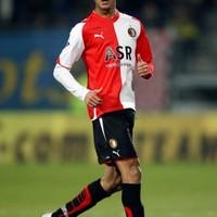 Done deal: Villa sign El Ahmadi
