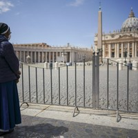 Restaurants, bars and churches reopen in Italy with Saint Peter's Basilica even taking visitors again