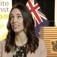 New Zealand leader continues TV interview during earthquake