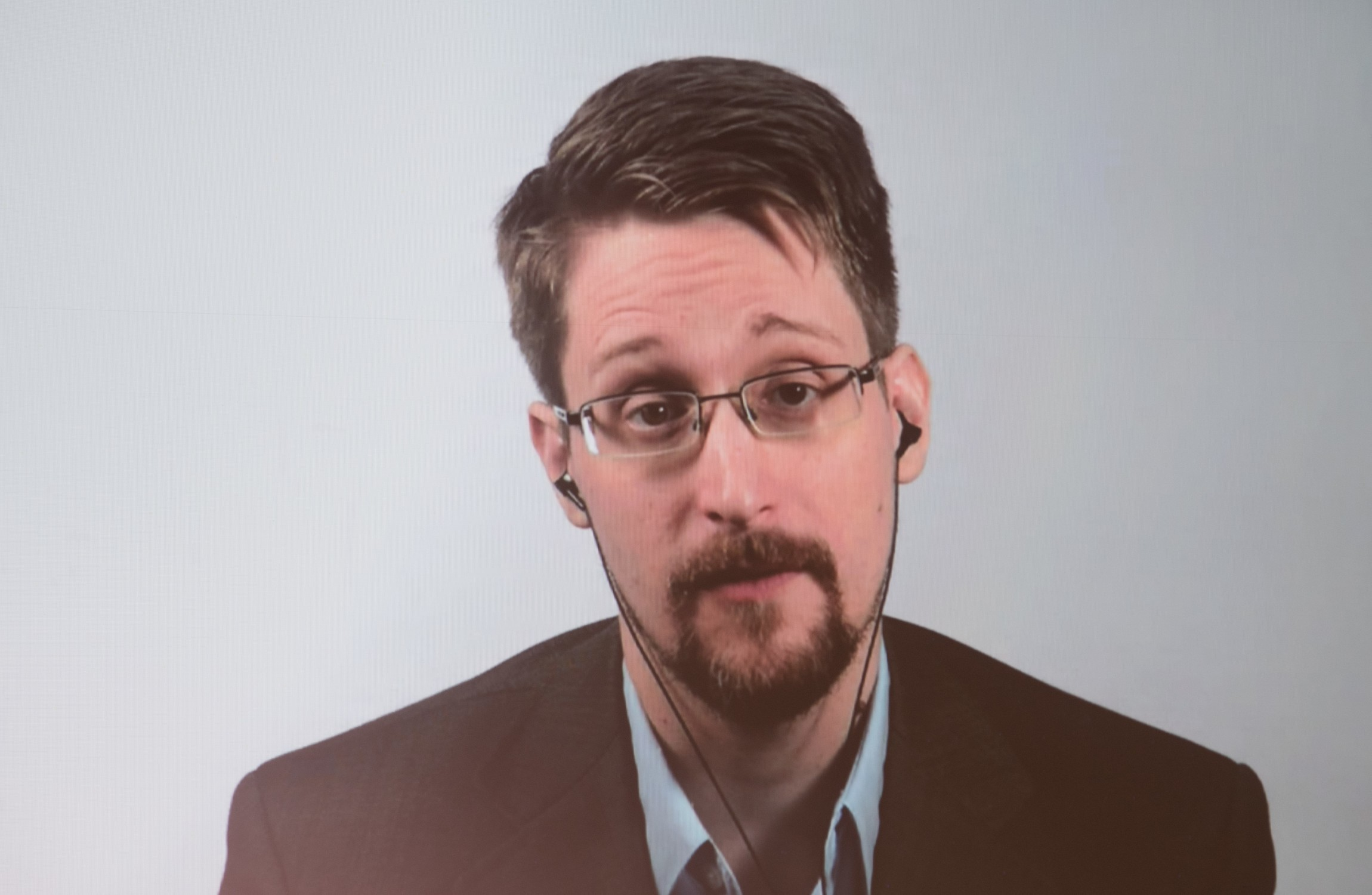 Your evening longread :  I met Edward Snowden - and since then I havent stopped watching my back