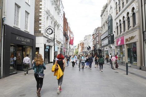 Footfall returning to Grafton Street in Dublin yesterday as shops re-opened.