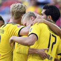 Haaland prolongs Bundesliga title race with 95th-minute winner for Dortmund