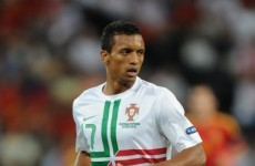 Winger Nani back in talks over new Man United deal