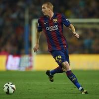 Ex-France and Barcelona defender injures knee Wednesday, retires Thursday