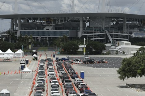 Cars waiting in line at a drive-thru testing facility in Florida.