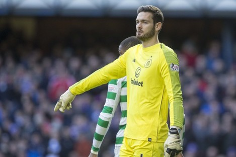 Craig Gordon in action for Celtic in 2018.