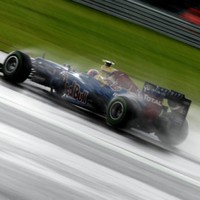 Mark Webber overtakes Alonso to win British Grand Prix