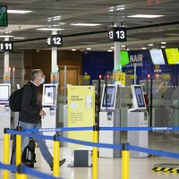Quarantine to remain as ministers put travel 'green list' on hold beyond 9 July