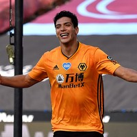 Wolves boss refuses to be riled after star man advised to join Man United