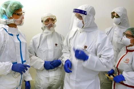 May 2020: Doctors in a coronavirus ward in Germany.