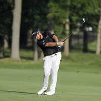 Shane Lowry in the hunt as three Covid-positive players tee off together at PGA event
