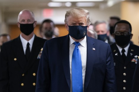 President Donald J. Trump arrives at Walter Reed National Military Medical Center in Bethesda, Maryland to visit with wounded military members.