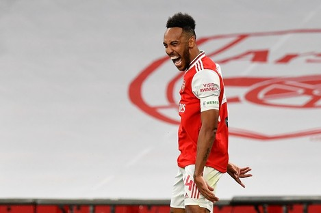 Aubameyang celebrates his and Arsenal's second goal.